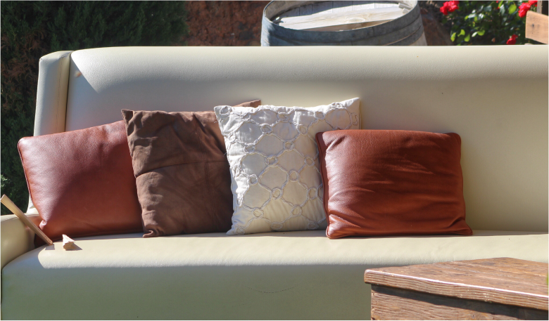 melrose park-furniture-chicago-usa-the perfect cushion